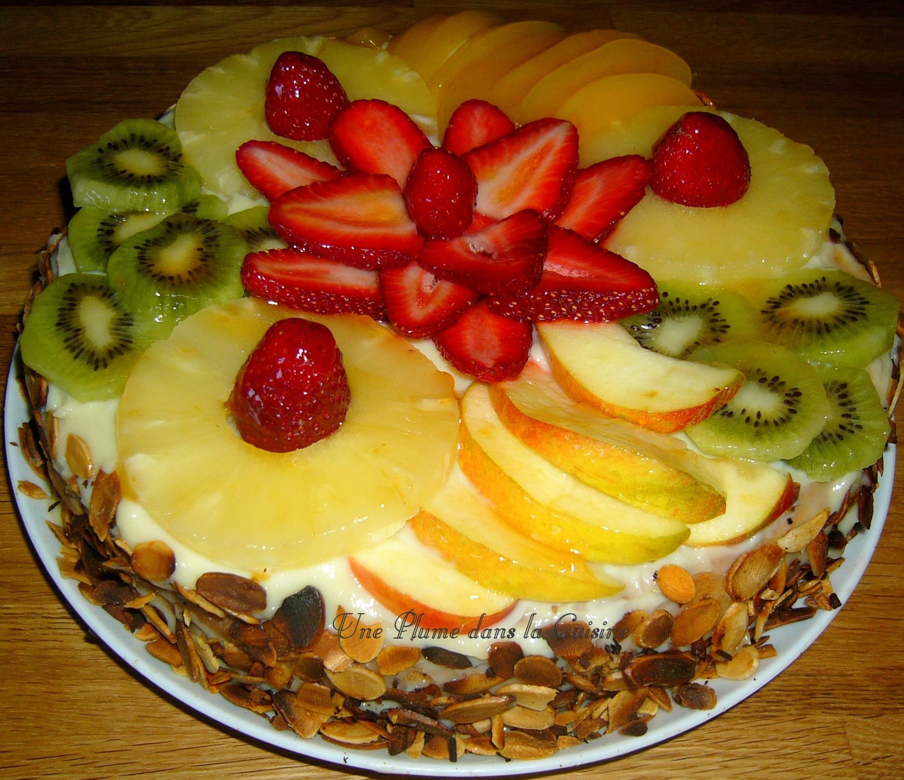 G noise la cr me p tissi re et aux fruits une plume - Decorer un gateau avec de la chantilly ...