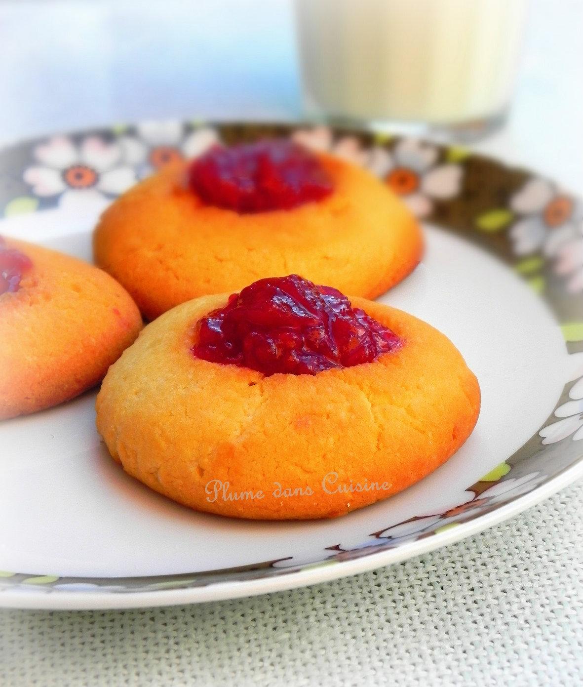 Biscuits au Kiri et à la confiture de framboise